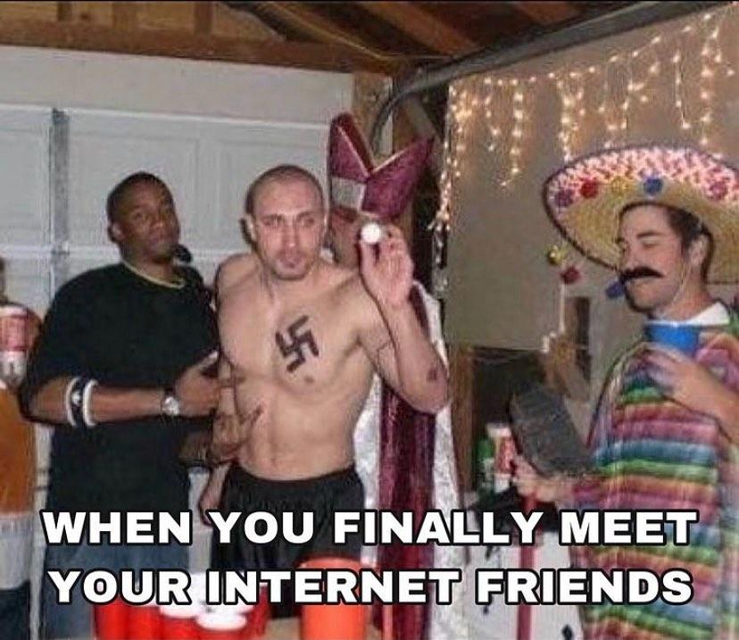 when_you_finally_meet_your_internet_friends.jpg