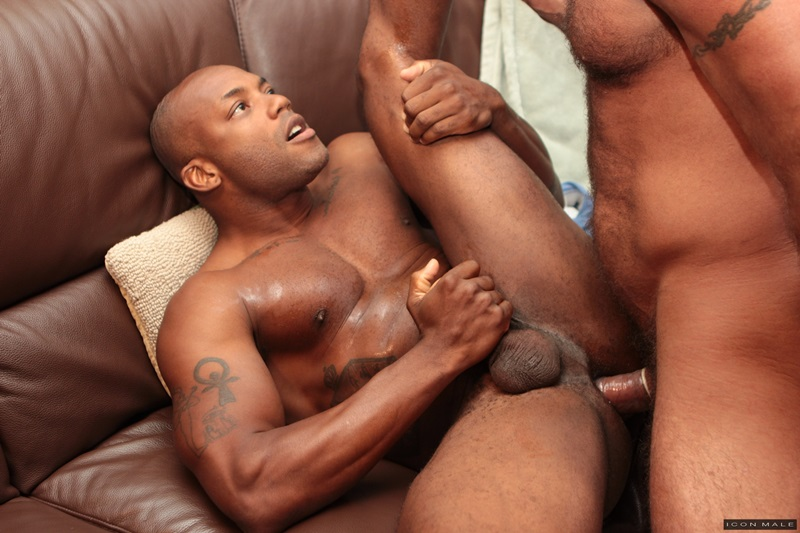 https://cdn.discordapp.com/attachments/267086373285134338/346774775386865664/IconMale-Black-muscle-hunk-Osiris-Blade-Nick-Capra-muscular-body-huge-erection-big-cut-cock-sucking-.png