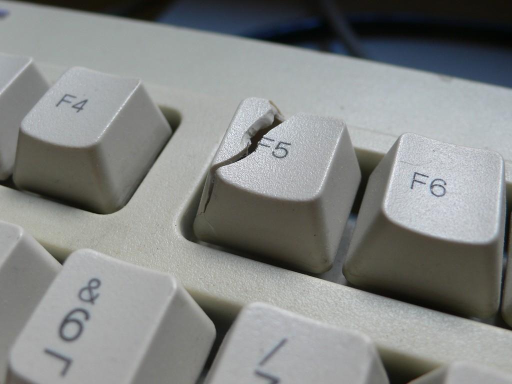 broken-f5-button.jpg