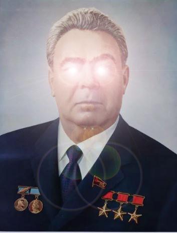 https://cdn.discordapp.com/attachments/308950154222895104/340208426305191948/Based_Brezhnev.jpg