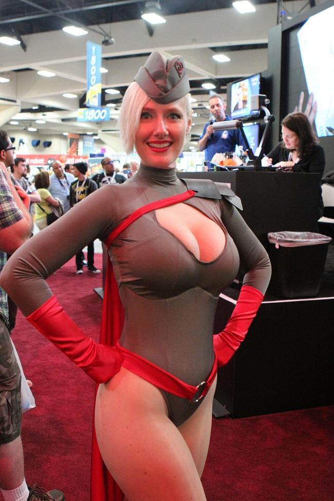 https://cdn.discordapp.com/attachments/318334778082459653/318337203732348928/cosplay-red-son-powergirl-02.jpg