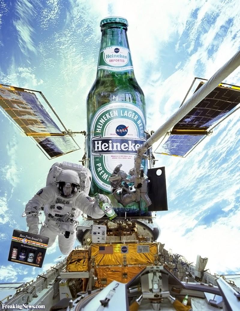 Astronaut-on-the-Heineken-Space-Station--31053.jpg