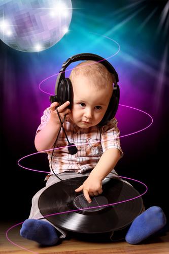 https://cdn.discordapp.com/attachments/372513679964635138/378574832389849104/Funky_Baby.jpg