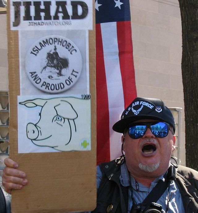 https://cdn.discordapp.com/attachments/383108664380227595/424968523941412864/Islamophobia.jpg