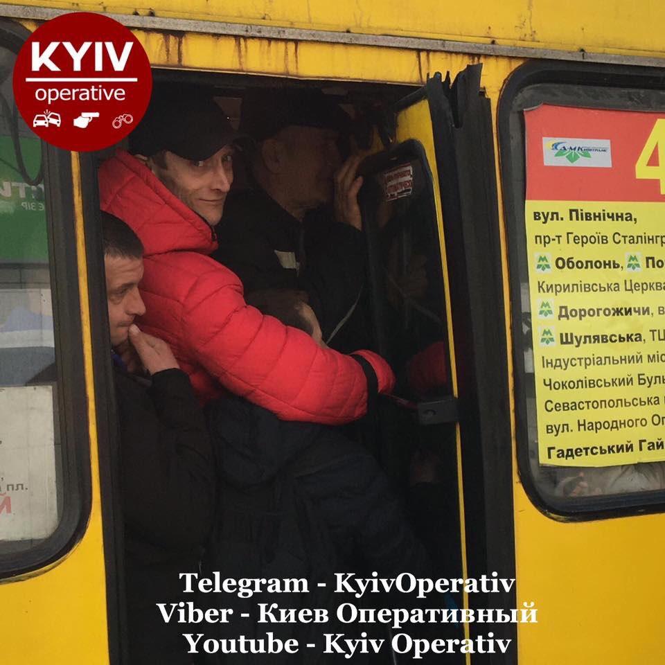 Пасажирів без медичних масок не пускатимуть у громадський транспорт Києва, - КМДА - Цензор.НЕТ 2896