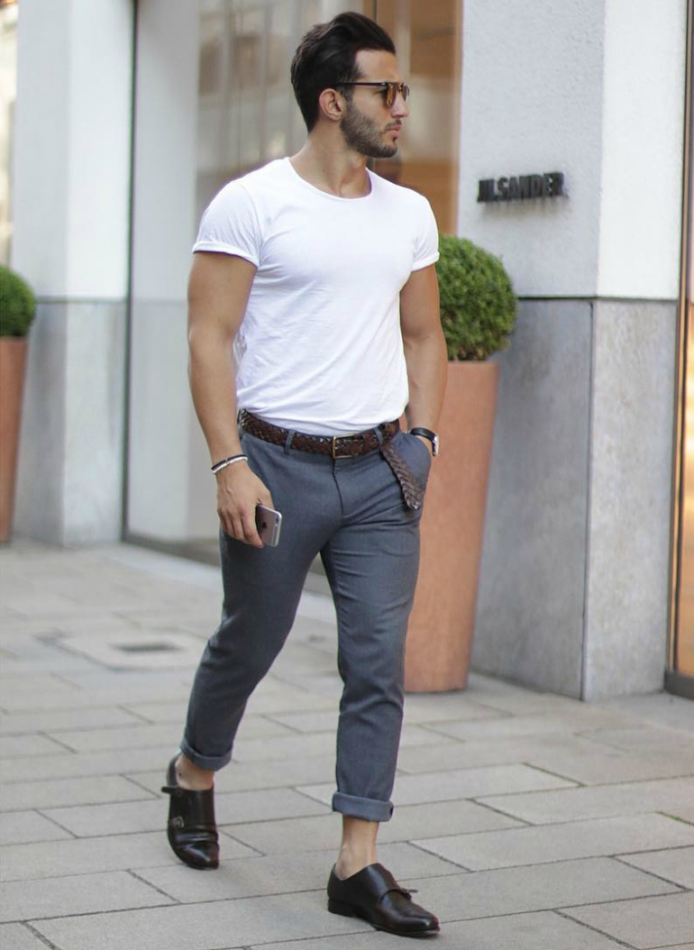 https://cdn.discordapp.com/attachments/416473082304266240/450858645643722758/mens-street-style-trousers-brown-belt-white-t-shirt-casual-.jpg