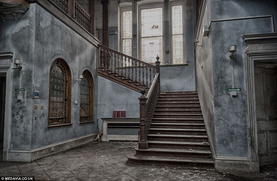 Orfanato Blackwood Escadas