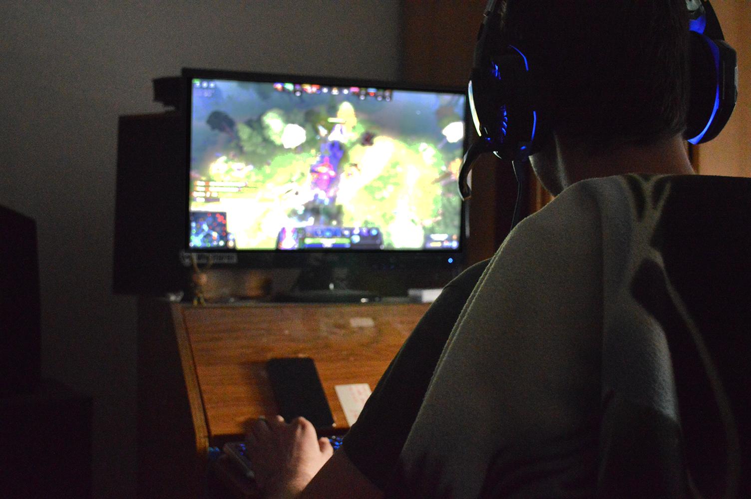 Hraní počítačových her | Autor: Kristýna Sklenářová