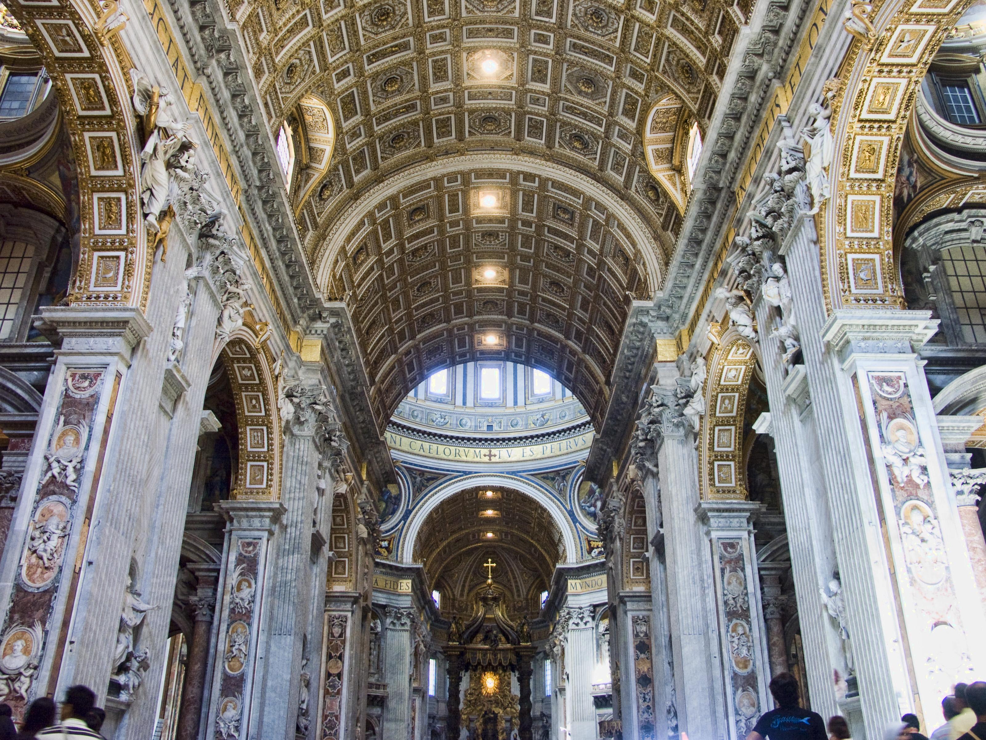 Vatican-StPierre-Interieur1.jpg