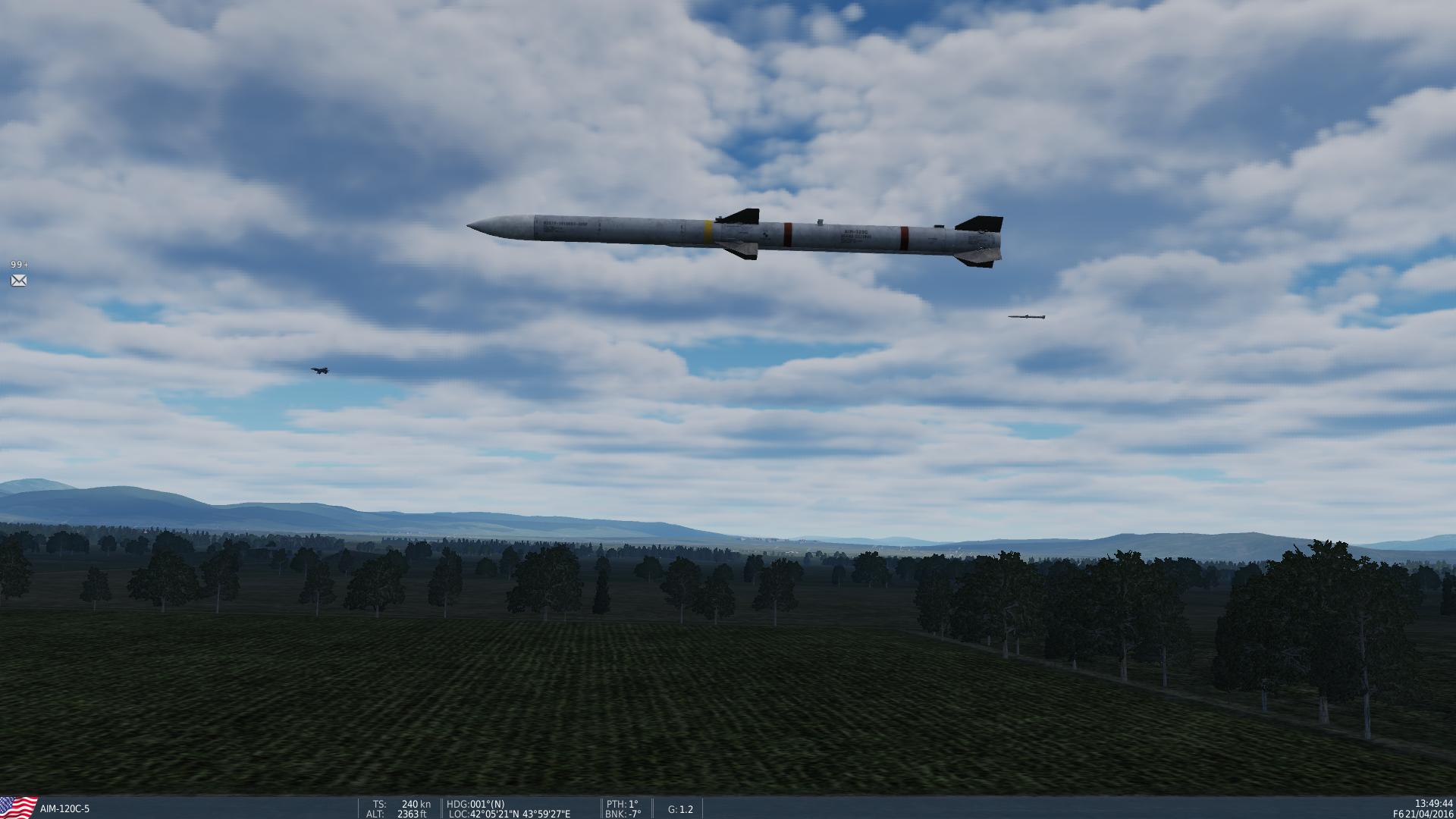 צמד טילים מנומס מלווה מטוס בחזרה לשטחו
