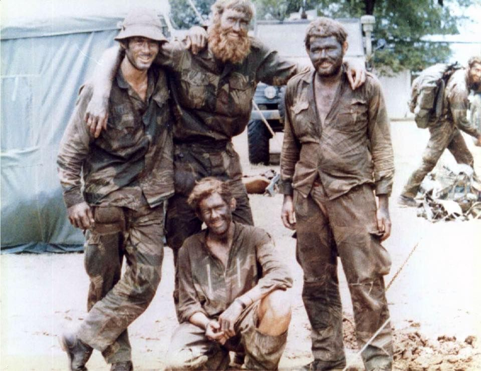 https://cdn.discordapp.com/attachments/510514823411531786/510516347042529300/Rhodesian_Bush_War_buddies.jpg