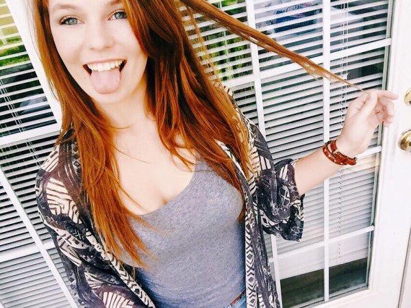 beautiful_redhead_girls_selfie_1.jpg