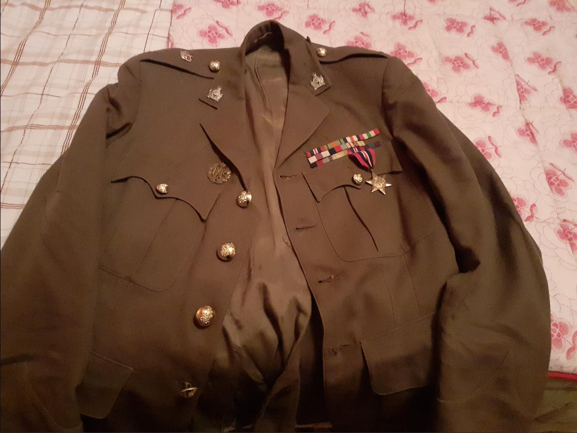 Service Dress Anglais période seconde guerre ? Unknown