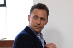 https://cdn.discordapp.com/attachments/703344590278885416/715640759637770310/Tom-Hiddleston-The-Night-Manager-Emmy-Quickie.jpg