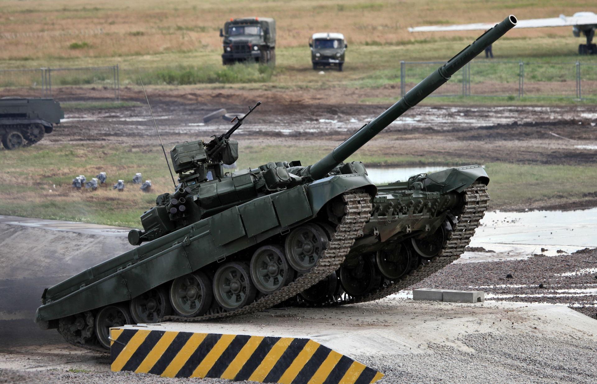 T-90A_MBT_photo016.jpg