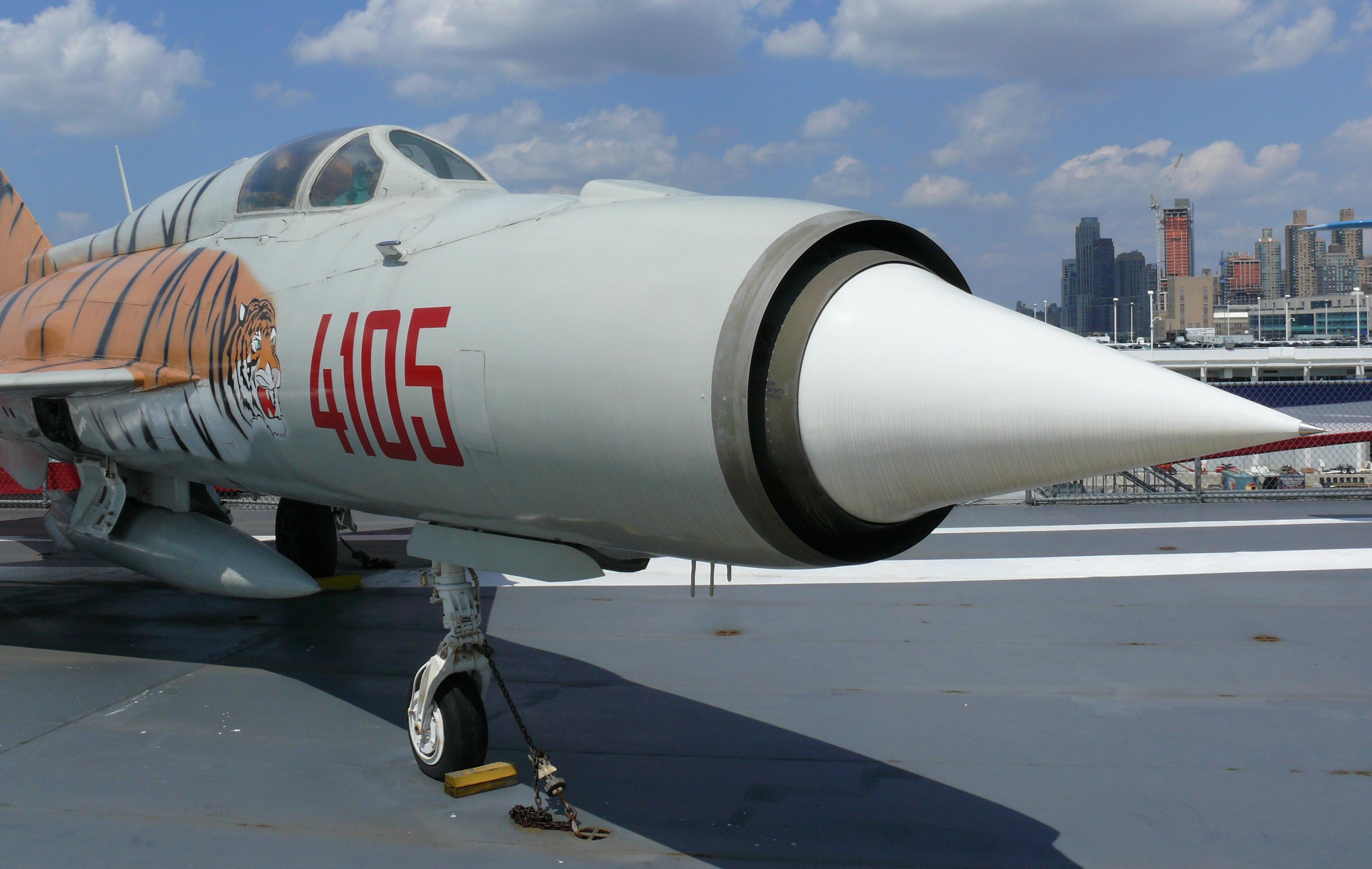 MiG-21_PFM_2.jpg