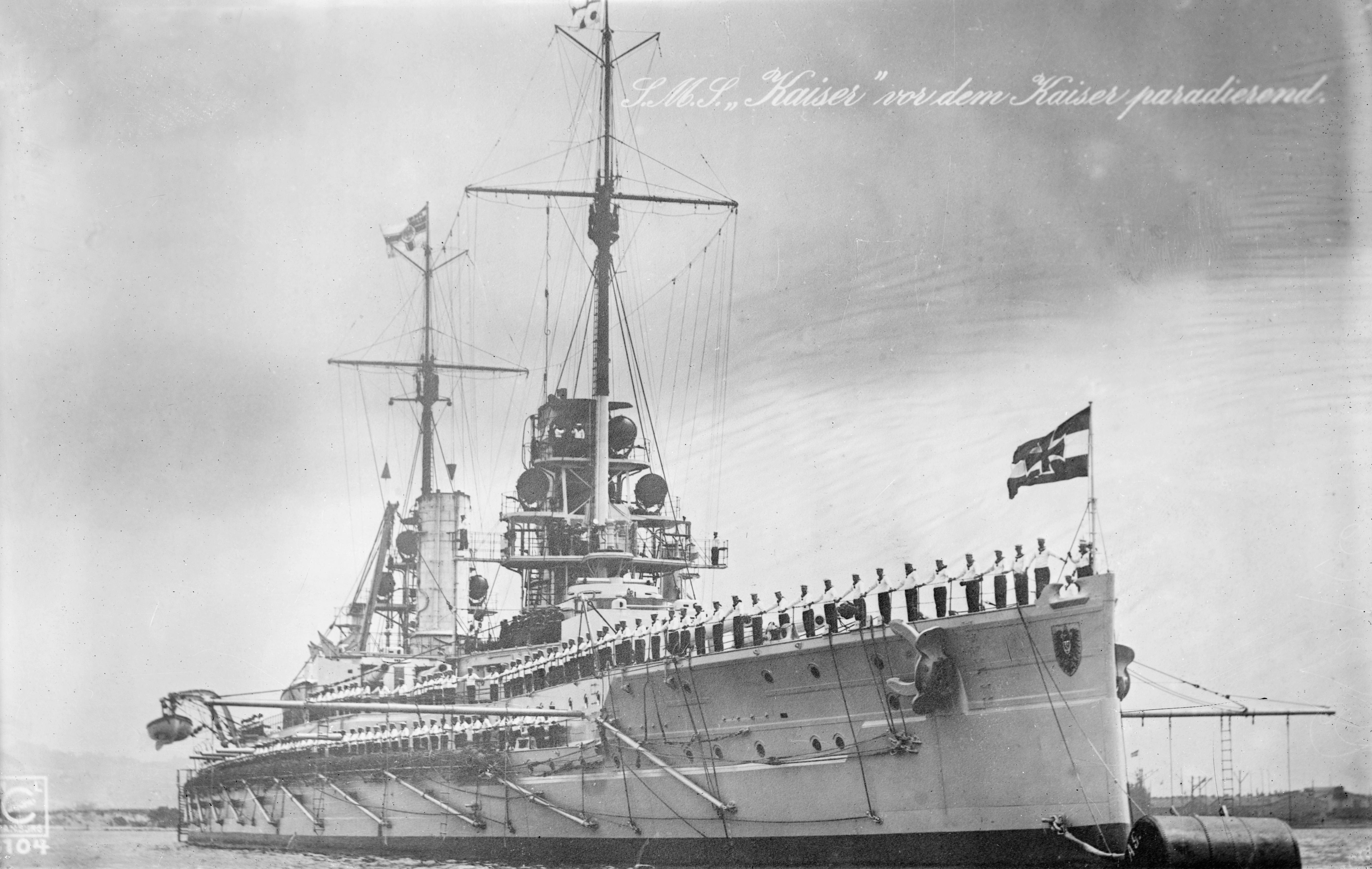 SMS_Kaiser_parade_1913-14.jpg